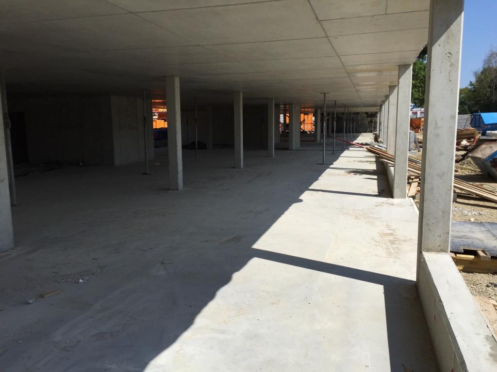 Der Rohbau der zweiten Halle (Halle Süd) ist im vollen Gange und – 4 Geschoße Rohbau sind fast fertig.